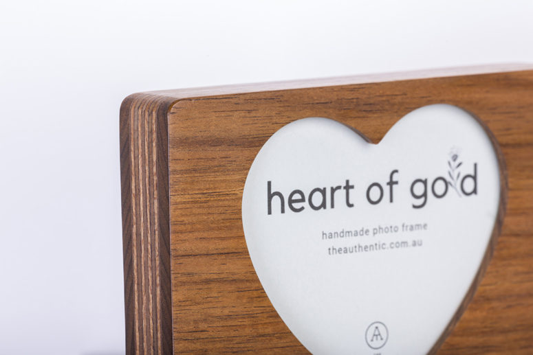 Heart of Gold - Tasmanian Blackwood - L -top details - handmade by The Authentic