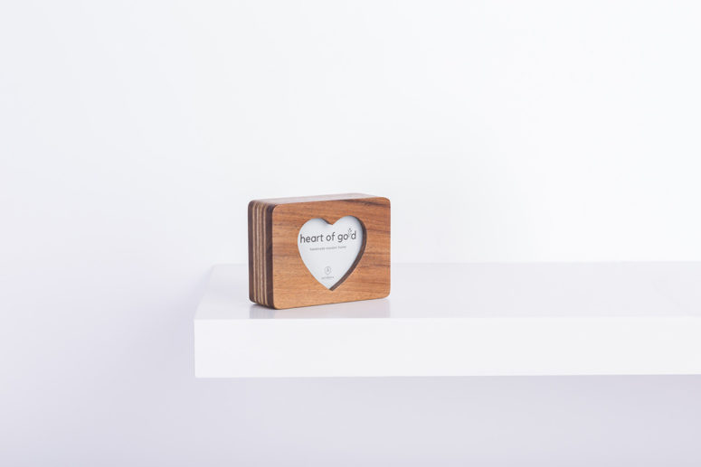 Heart of Gold - Tasmanian Blackwood - S - side details - handmade by The Authentic